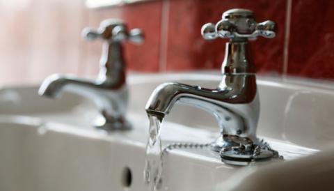 Горячей воды в Киеве может не быть до октября