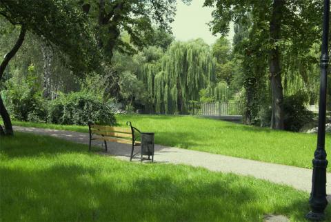 В Киеве создадут 25 скверов и 2 парка